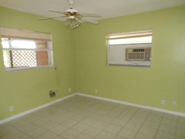 Additional photo for property listing at 832 S G Street  Lake Worth, Florida 33460 United States