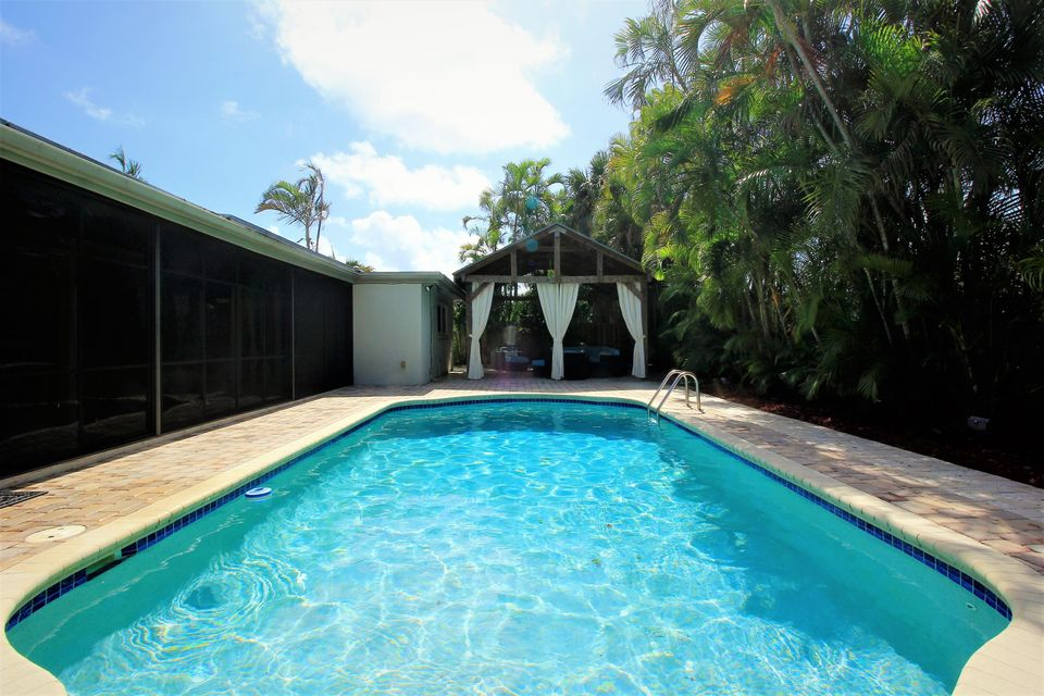 Additional photo for property listing at 1232 NW 14th Street  Boca Raton, Florida 33486 United States