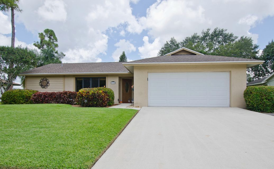 129 Parkwood Drive  Royal Palm Beach, FL 33411