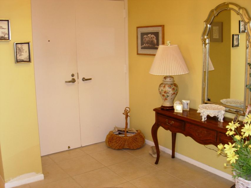 Additional photo for property listing at 5510 N Ocean Drive 5510 N Ocean Drive Riviera Beach, Florida 33404 Estados Unidos