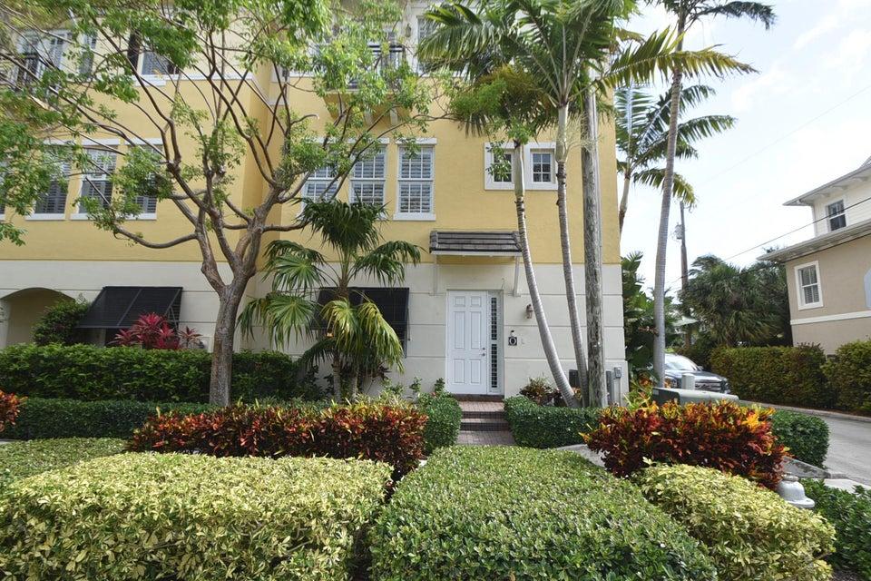 285 SE 6th Avenue O, Delray Beach, FL 33483