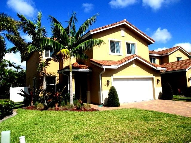 961 Siesta Drive , West Palm Beach FL 33415 is listed for sale as MLS Listing RX-10336046 25 photos