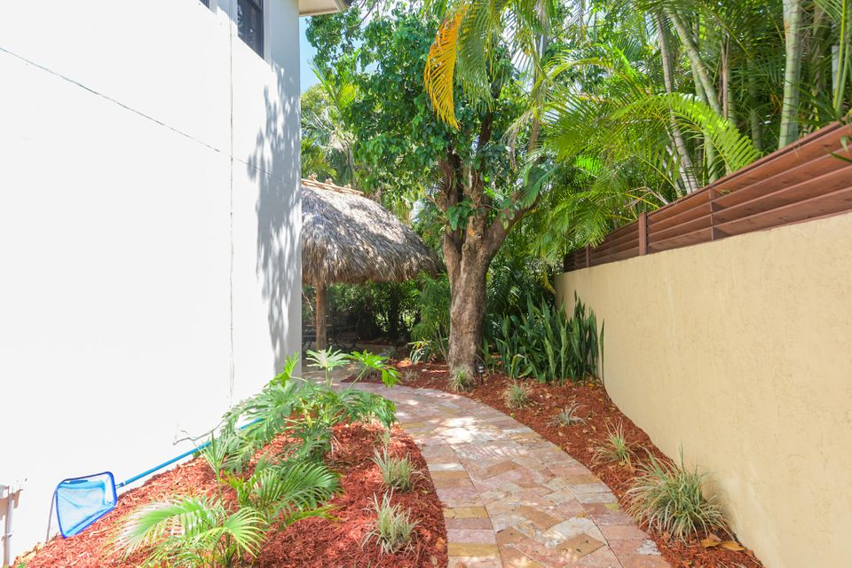 Additional photo for property listing at 242 NW 6th Street 242 NW 6th Street Boca Raton, Florida 33432 Estados Unidos