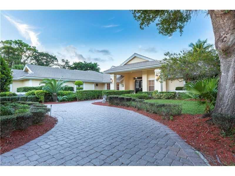 Single Family Home for Sale at 8033 NW 47 Drive Coral Springs, Florida 33067 United States
