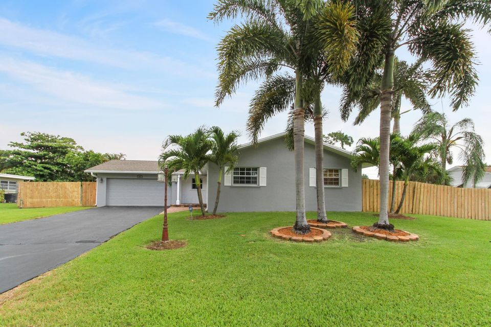 44 W Coconut Drive, Lake Worth, FL 33467
