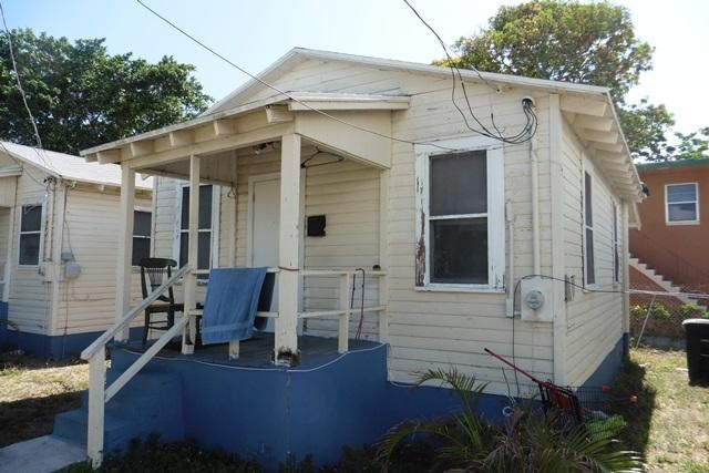 Additional photo for property listing at 820 21st Street  西棕榈滩, 佛罗里达州 33407 美国