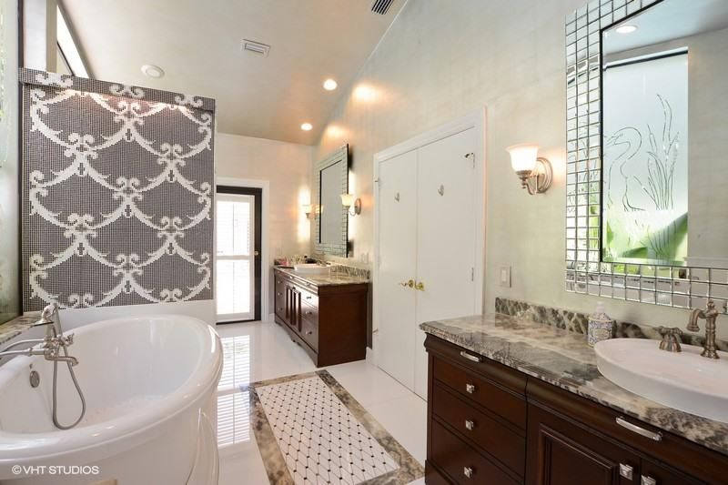 Additional photo for property listing at 4905 Oxford Circle 4905 Oxford Circle Boca Raton, Florida 33434 United States