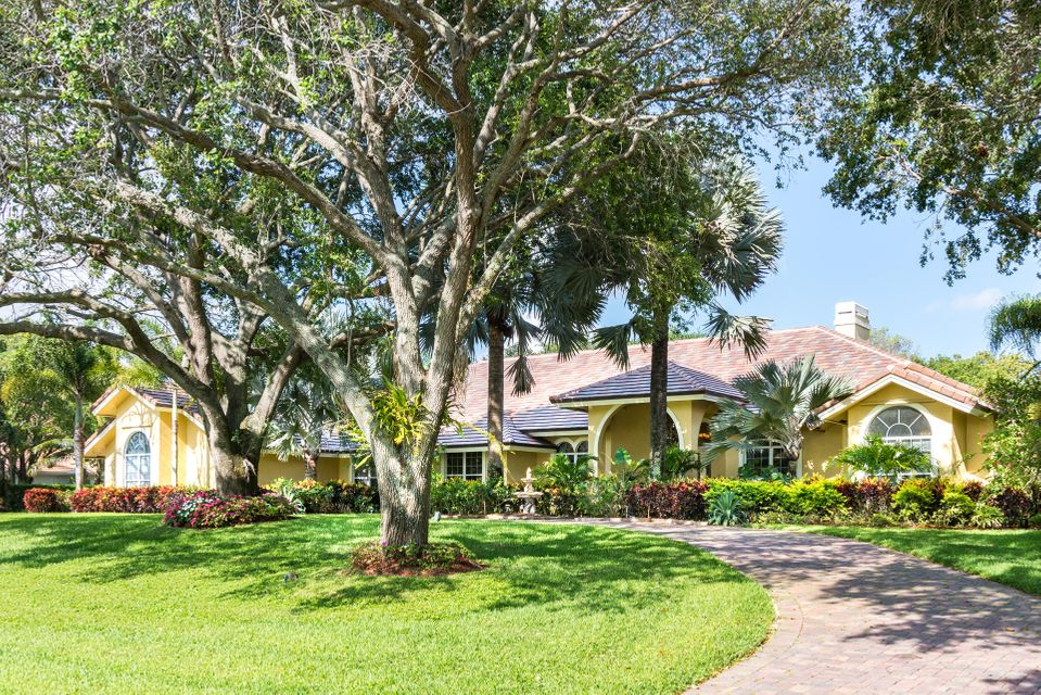 17888 Fieldbrook Circle W, Boca Raton, FL 33496