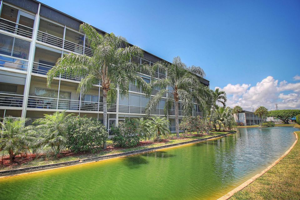 300 Waterway Drive S 302, Lantana, FL 33462