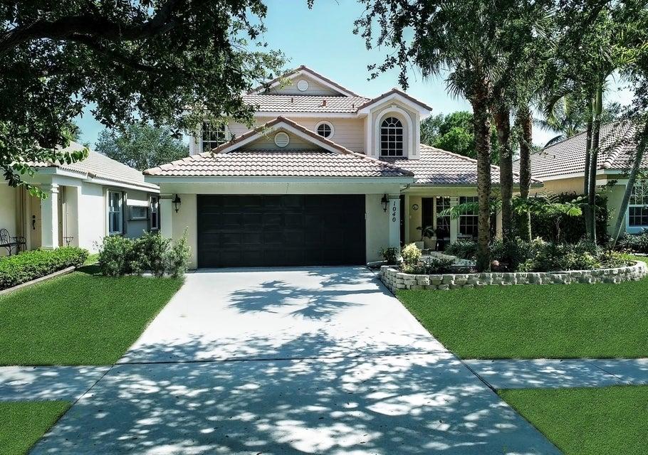 1040 Delray Lakes Drive, Delray Beach, FL 33444