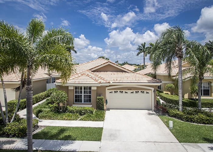 Maison unifamiliale pour l Vente à 8203 Quail Meadow Trace 8203 Quail Meadow Trace West Palm Beach, Florida 33412 États-Unis