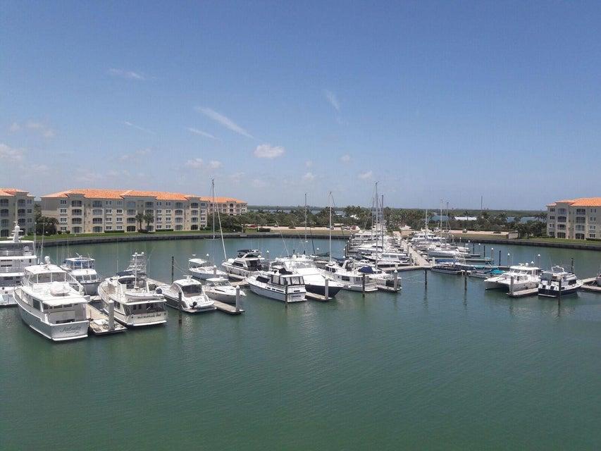 15 Harbour Isle Drive W Ph02, Fort Pierce, FL 34949