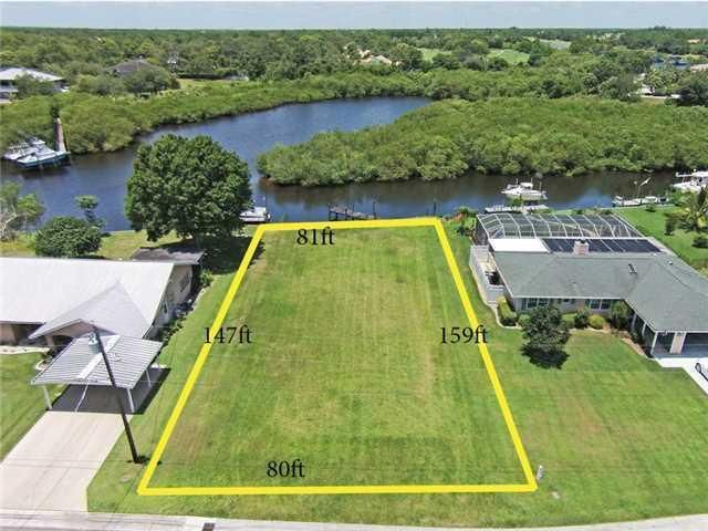 Additional photo for property listing at 532 SW Pine Tree 532 SW Pine Tree Palm City, Florida 34990 United States