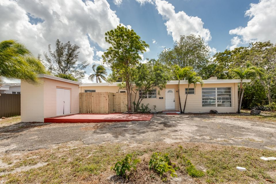 1120 NW 199th Street, Miami, FL 33169