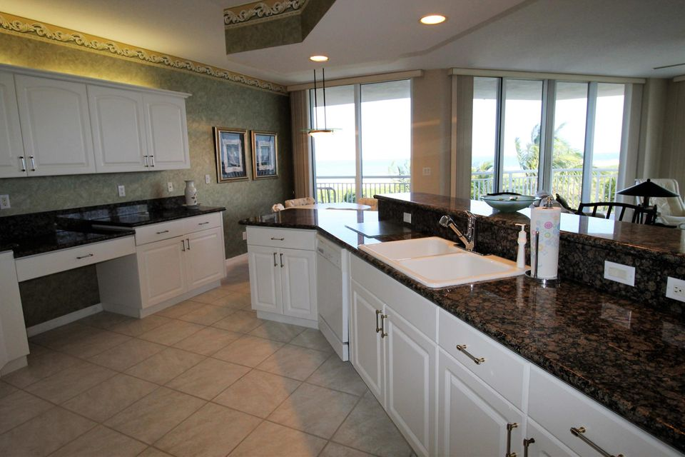 Additional photo for property listing at 2900 N A1a (Atlantic Beach Blvd)  Hutchinson Island, Florida 34949 United States