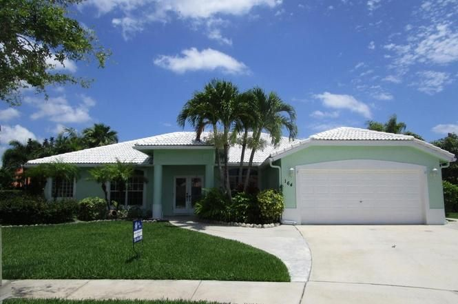 164 Fernwood Crescent NW, Royal Palm Beach, FL 33411