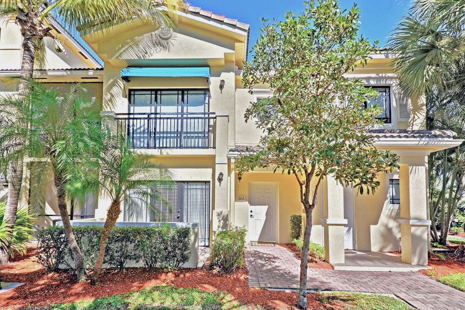 Co-op / Condo for Sale at 2915 Tuscany Court 2915 Tuscany Court Palm Beach Gardens, Florida 33410 United States