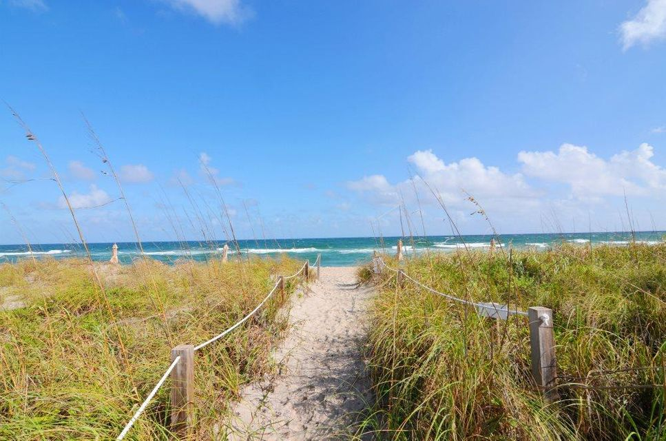 Additional photo for property listing at 2560 S Ocean Boulevard 2560 S Ocean Boulevard Palm Beach, Florida 33480 Vereinigte Staaten