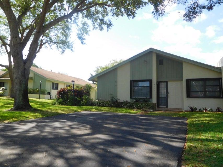 3752 Arelia Drive S, Delray Beach, FL 33445