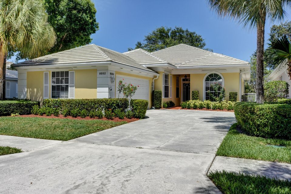 8552 Doverbrook Drive , Palm Beach Gardens FL 33410 is listed for sale as MLS Listing RX-10336783 33 photos