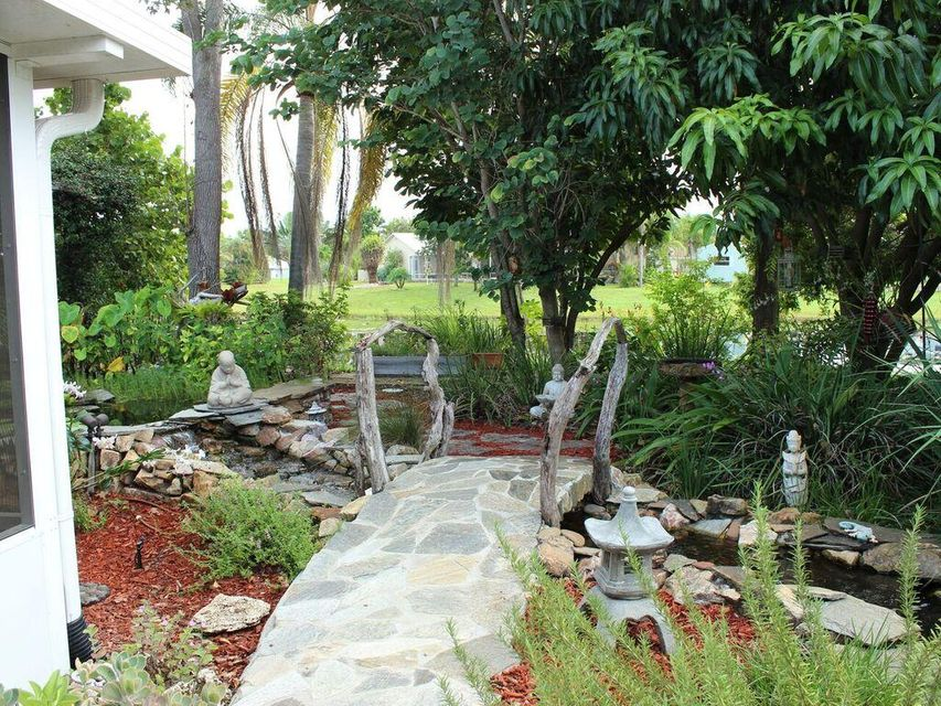 Additional photo for property listing at 1869 SE Bowie Street  Port St. Lucie, Florida 34952 Estados Unidos