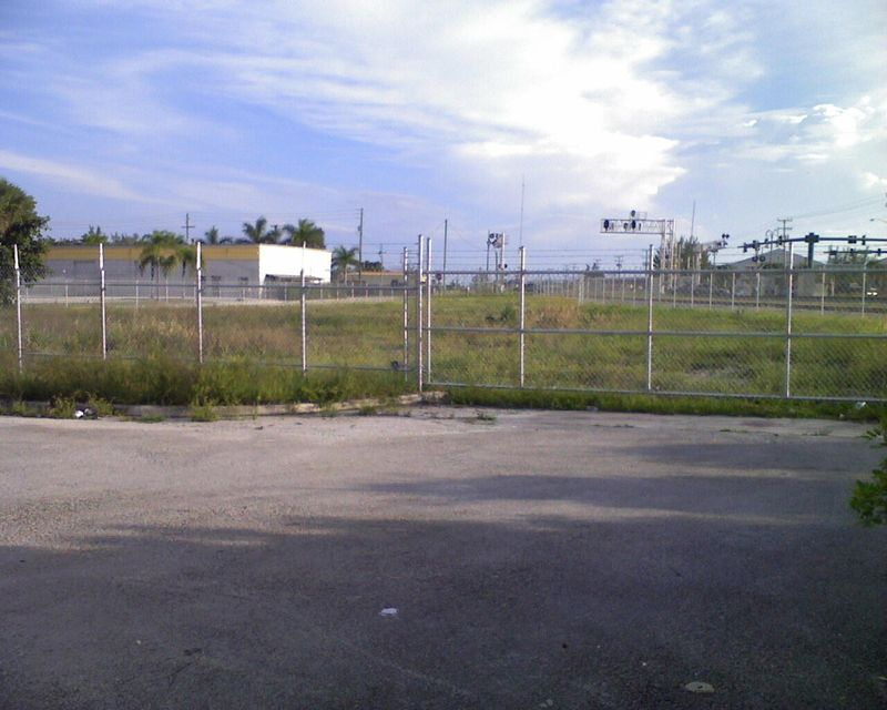 Additional photo for property listing at 1301 Commercial Street 1301 Commercial Street Riviera Beach, Florida 33404 Estados Unidos