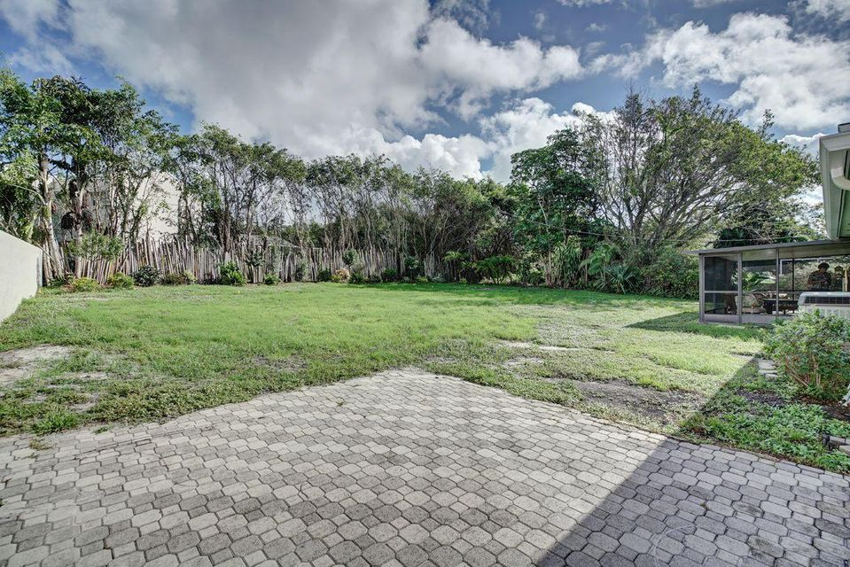 Additional photo for property listing at 351 NW 36th Court 351 NW 36th Court Boca Raton, Florida 33431 Vereinigte Staaten