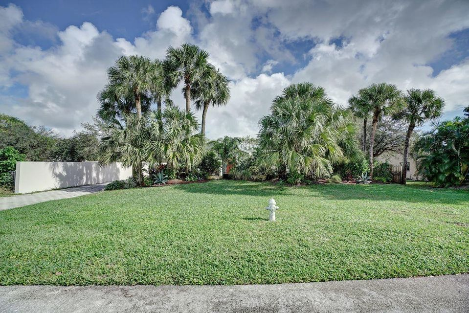 Additional photo for property listing at 351 NW 36th Court 351 NW 36th Court Boca Raton, Florida 33431 United States