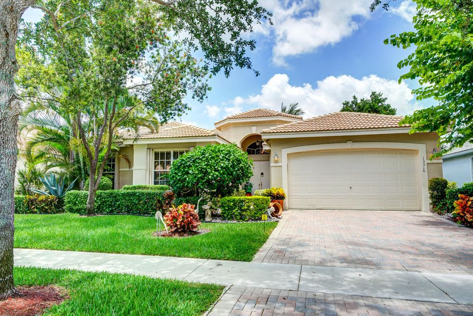 13316 Alhambra Lake Circle, Delray Beach, FL 33446