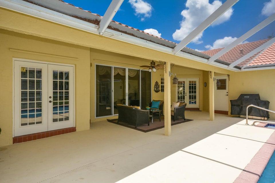 overhang patio
