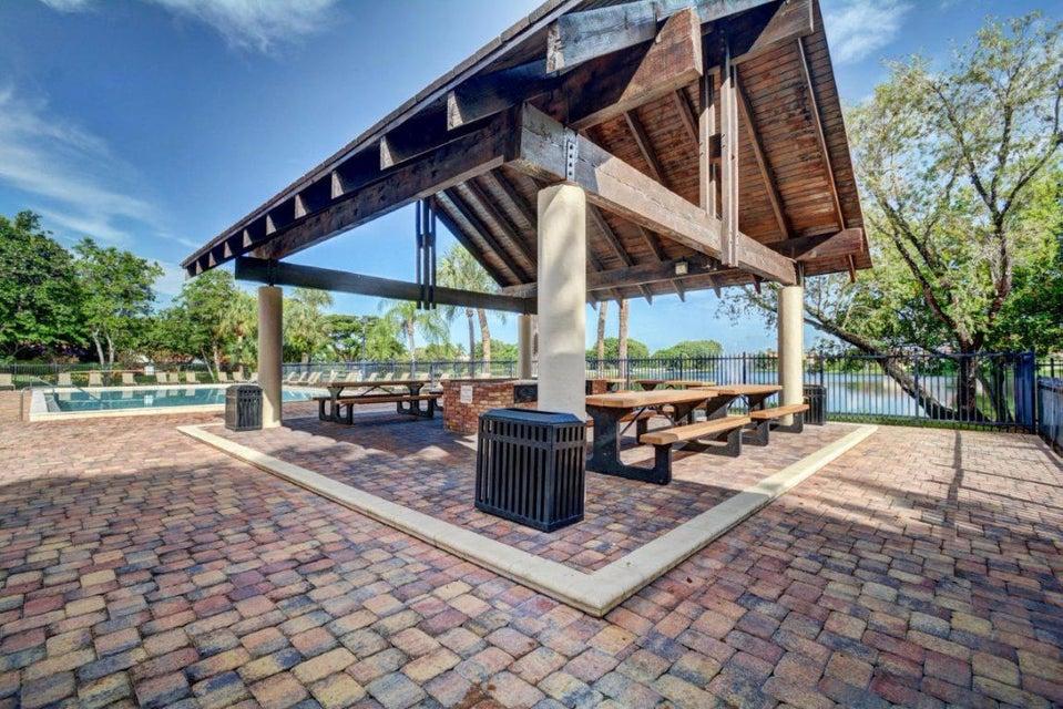 New Lakes Pavilion