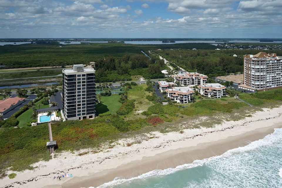 Additional photo for property listing at 4002 N Hwy A1a  Fort Pierce, Florida 34949 Estados Unidos