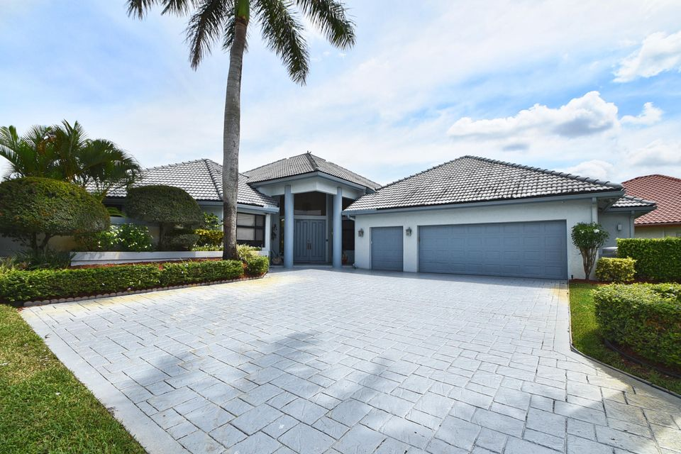 Additional photo for property listing at 10743 Stonebridge Boulevard 10743 Stonebridge Boulevard Boca Raton, Florida 33498 United States