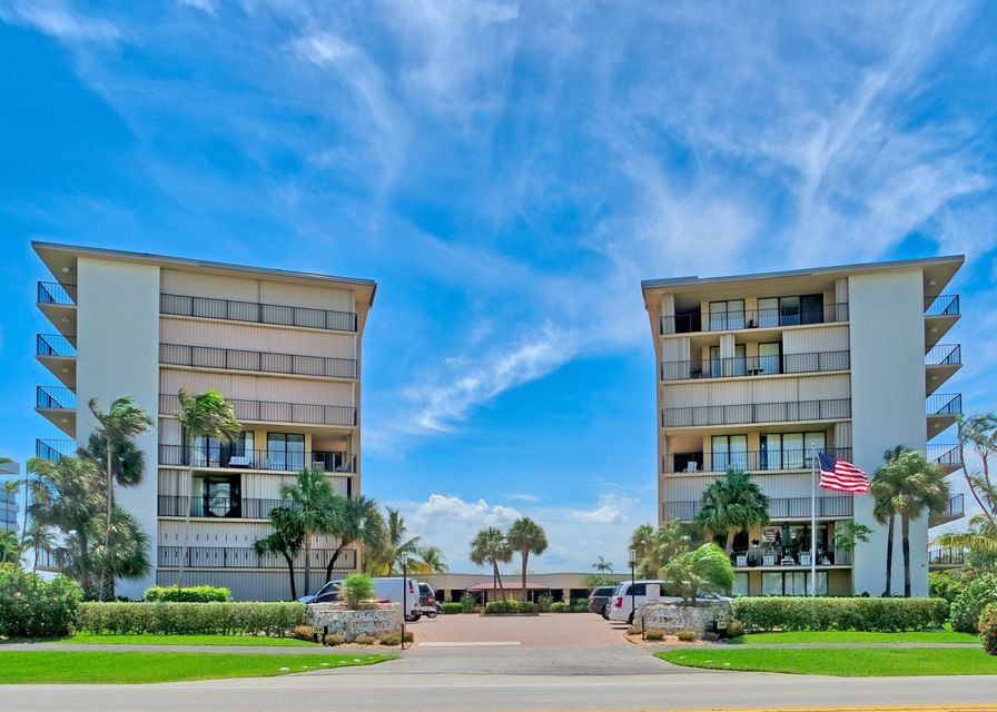 Co-op / Condominio por un Venta en 3545 S Ocean Boulevard South Palm Beach, Florida 33480 Estados Unidos