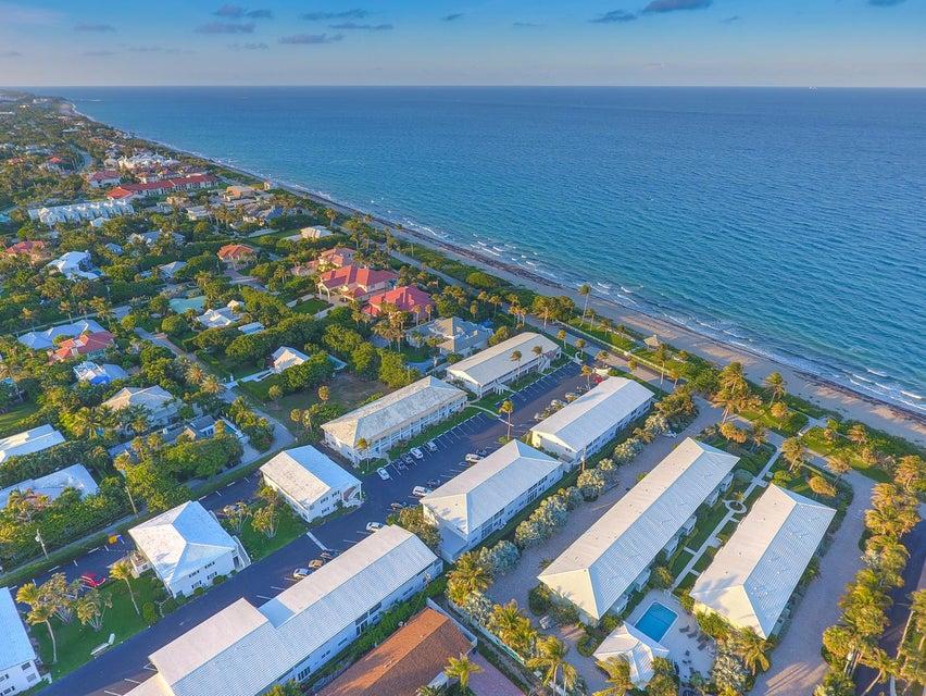 Co-op / Condo للـ Sale في 5500 Old Ocean Boulevard 5500 Old Ocean Boulevard Ocean Ridge, Florida 33435 United States