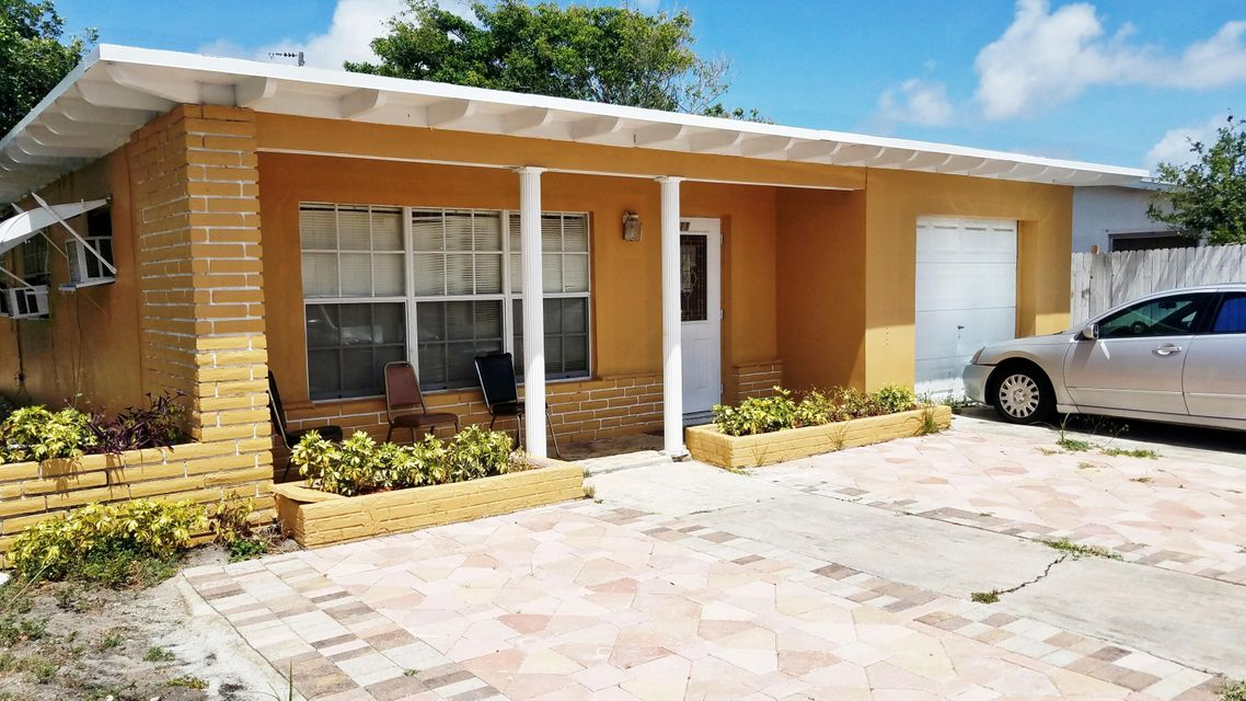 Duplex for Sale at 411 Broadway 411 Broadway Lantana, Florida 33462 United States