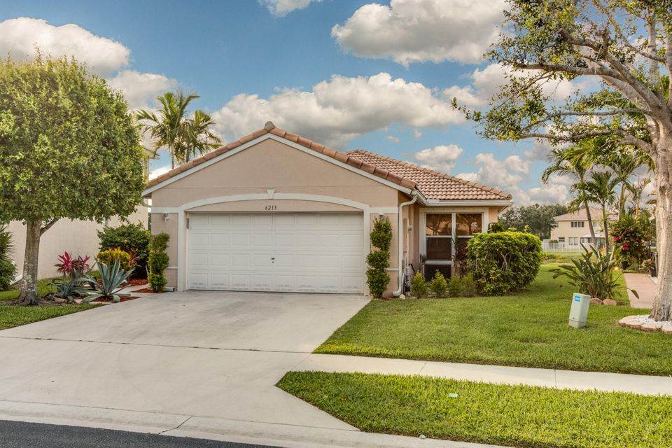 6213 Willoughby Circle, Lake Worth, FL 33463