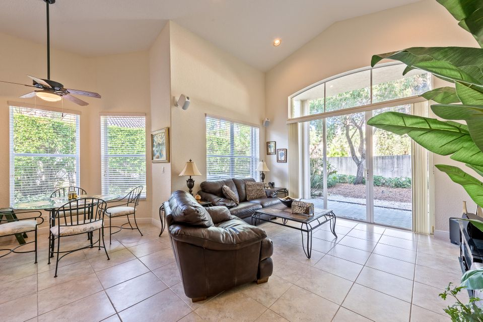 Additional photo for property listing at 8167 Cypress Point Road 8167 Cypress Point Road West Palm Beach, Florida 33412 United States