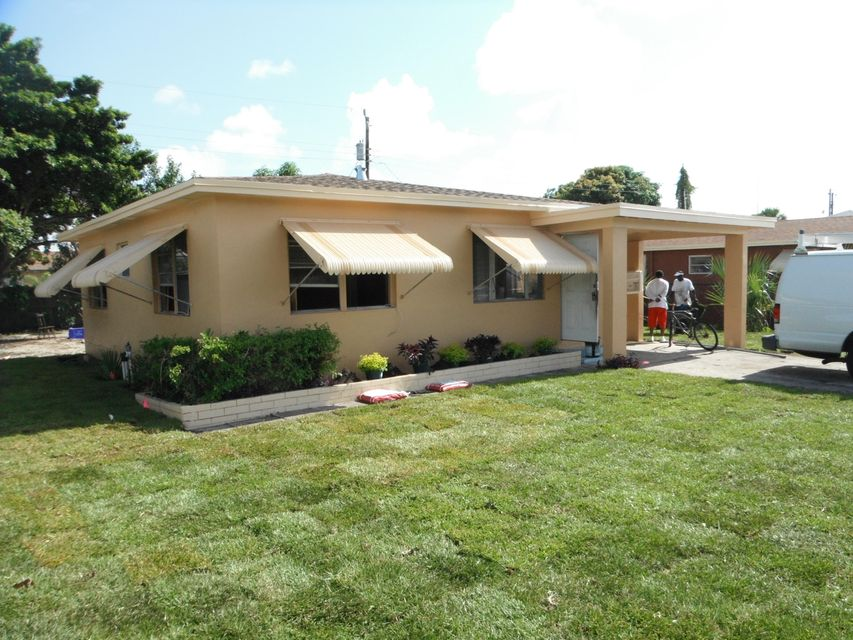 933 W 3rd Street is listed as MLS Listing RX-10337368 with 21 pictures