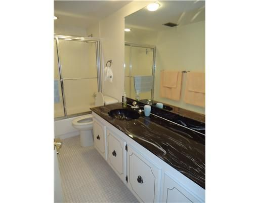 Additional photo for property listing at 2800 N Ocean Drive 2800 N Ocean Drive Riviera Beach, Florida 33404 Estados Unidos