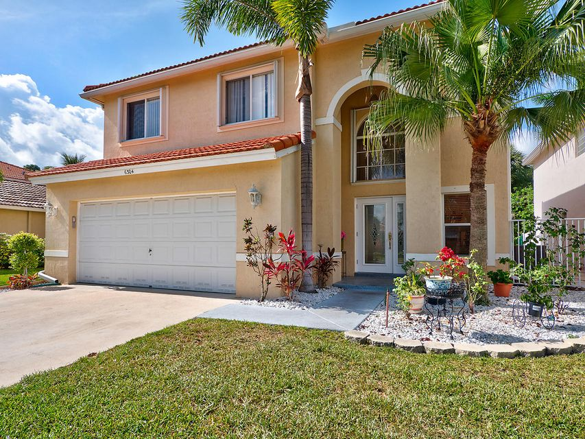 6304 Willoughby Circle, Lake Worth, FL 33463