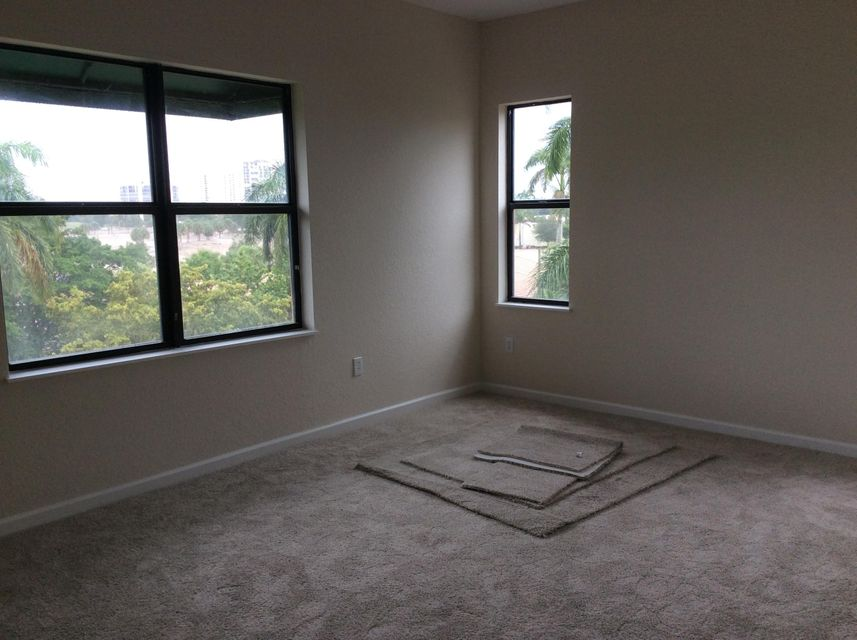 Additional photo for property listing at 1610 Presidential Way 1610 Presidential Way West Palm Beach, Florida 33401 États-Unis
