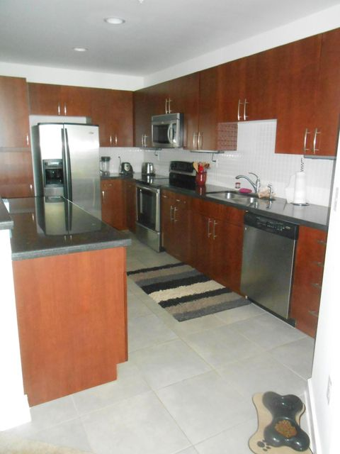 Additional photo for property listing at 300 S Australian Avenue 300 S Australian Avenue West Palm Beach, Florida 33401 Estados Unidos