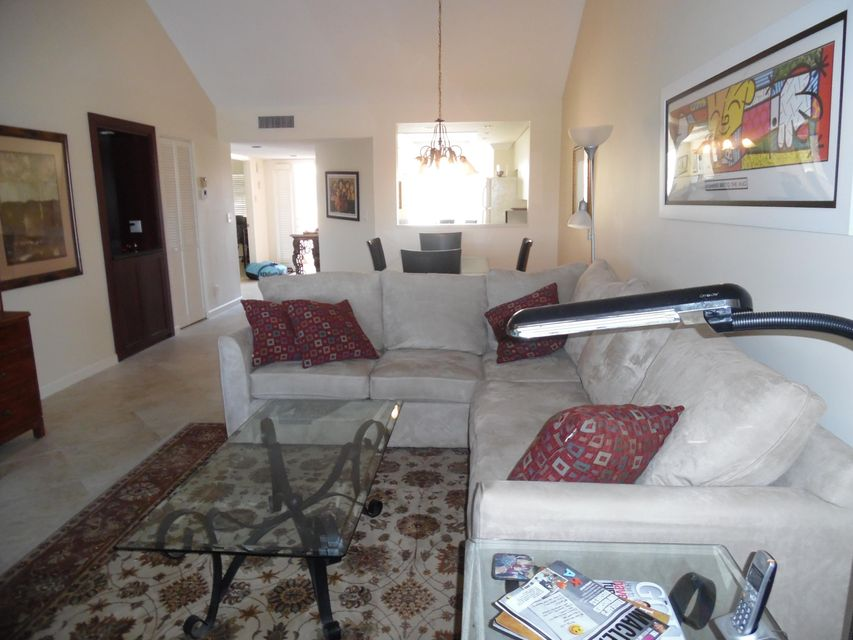 Co-op / Condo للـ Sale في 15831 Loch Maree Lane 15831 Loch Maree Lane Delray Beach, Florida 33446 United States