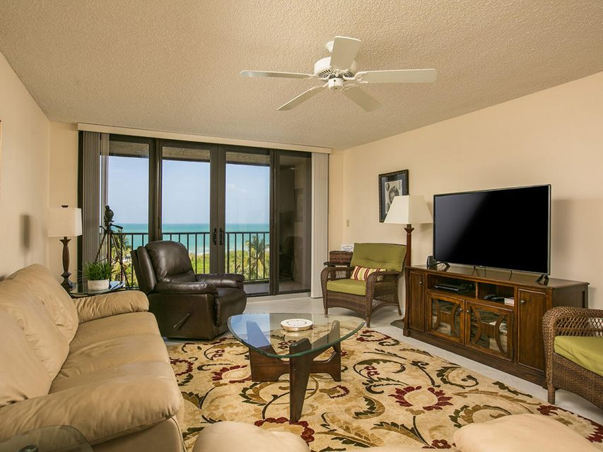 Co-op / Condo للـ Sale في 5047 N A1a Fort Pierce, Florida 34949 United States