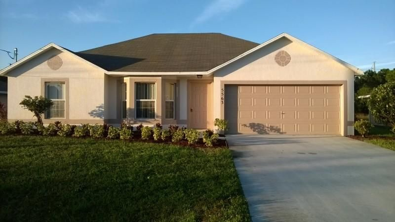 Single Family Home for Sale at 5563 NW North Crisona Circle 5563 NW North Crisona Circle Port St. Lucie, Florida 34986 United States