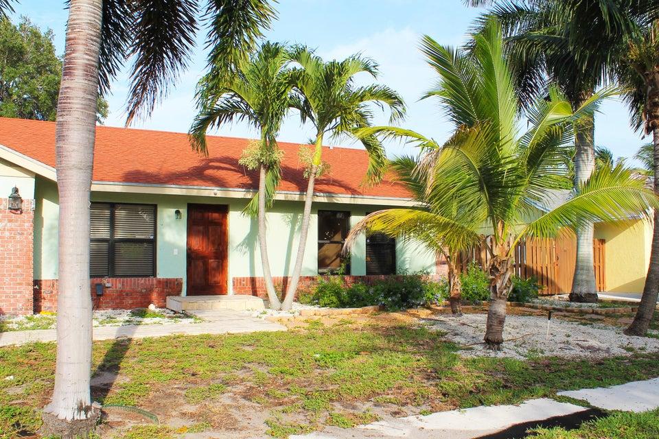 1122 NW 10th Court, Boynton Beach, FL 33426