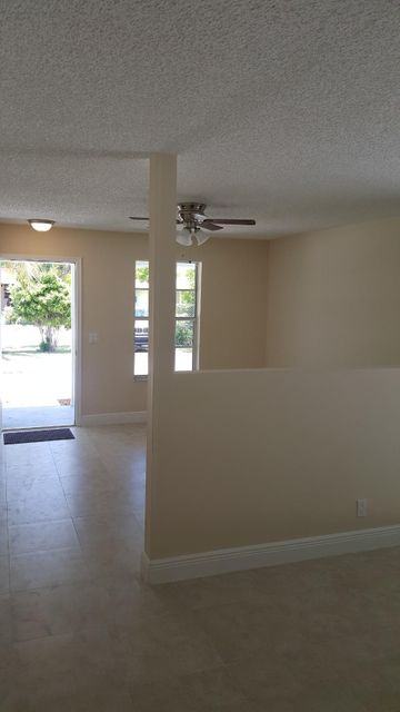 Additional photo for property listing at 215 NW 4th Avenue 215 NW 4th Avenue Delray Beach, Florida 33444 Vereinigte Staaten