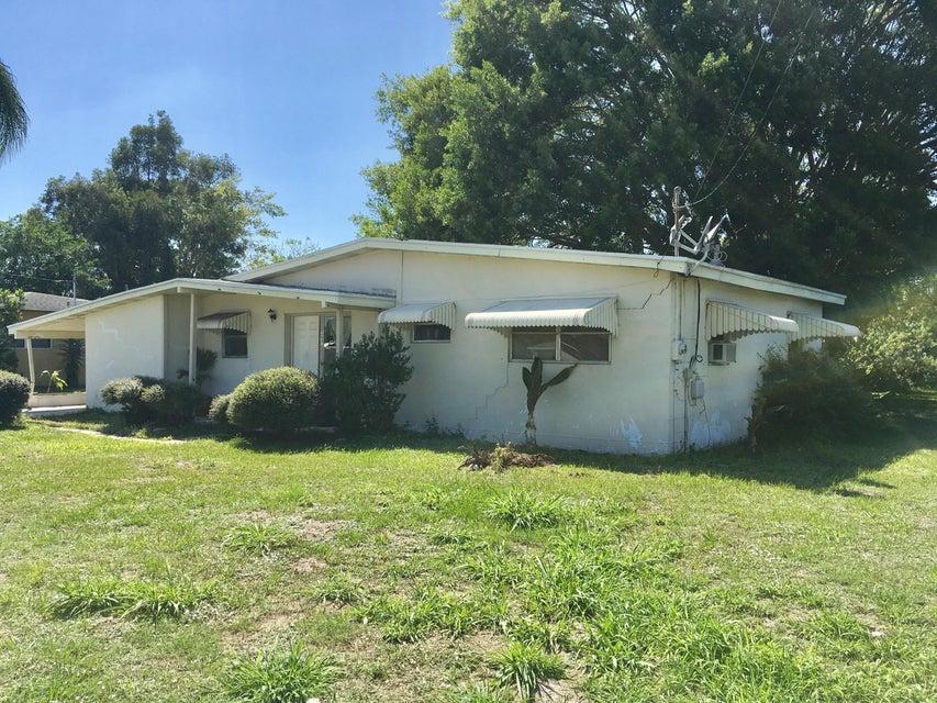 257 NE Prima Vista Boulevard, Port Saint Lucie, FL 34983