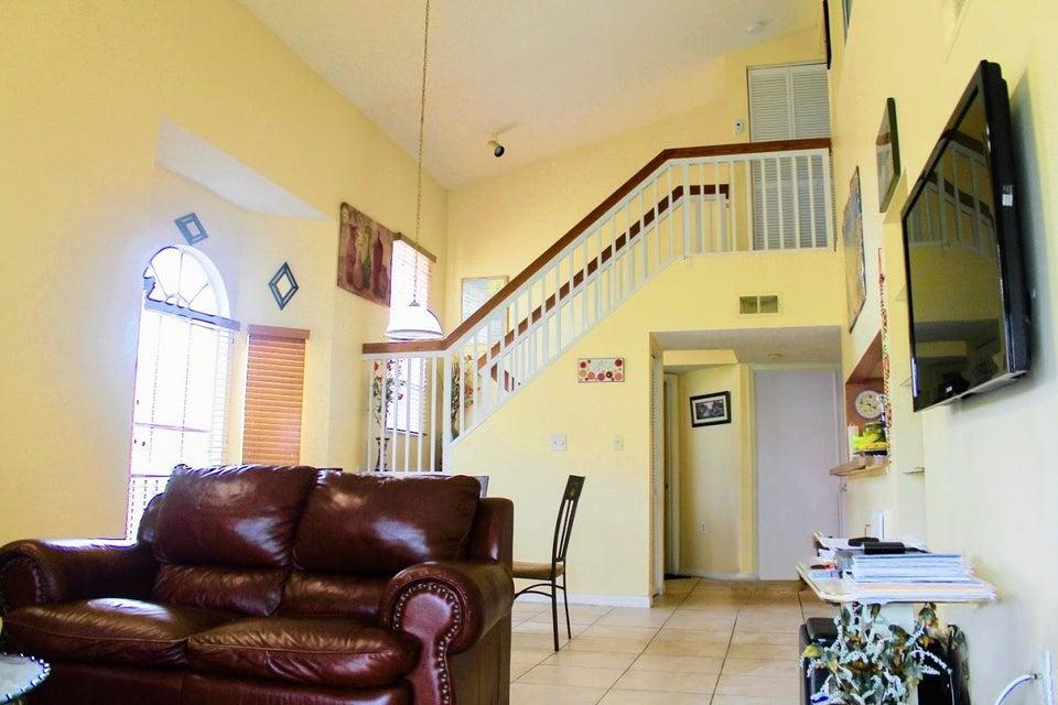 5204 Glenmoor Drive, West Palm Beach, FL 33409